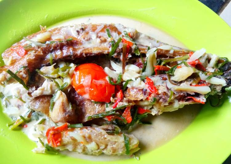 Gulai putih Ikan Baung Sale