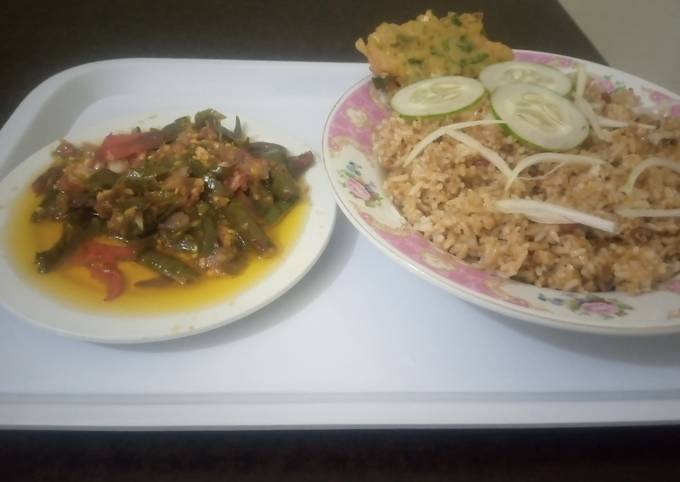 Nasi goreng Jawa dan sambar rica huha