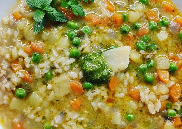 Ricetta Minestra di riso baldo con piselli e carote