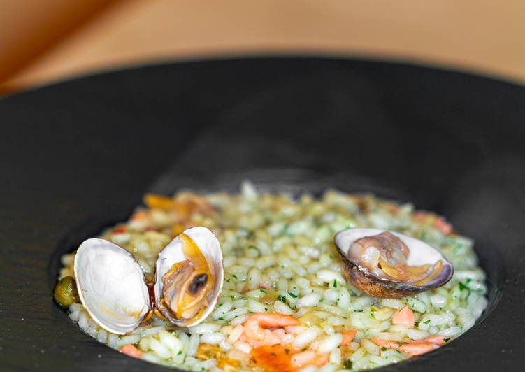 Recipe: Delicious Risotto with Clams and Salmon