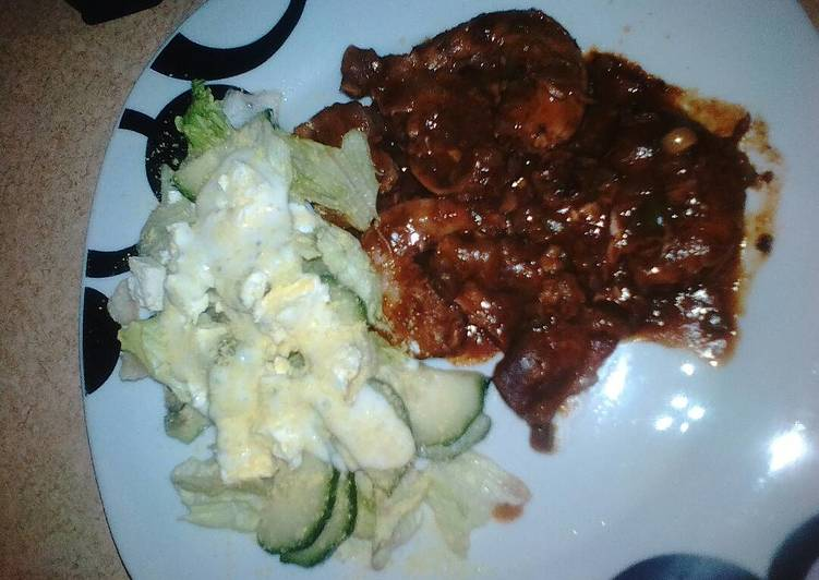 Chillies chicken gizzards & necks served with green salad, Choosing Fast Food That's Very good For You
