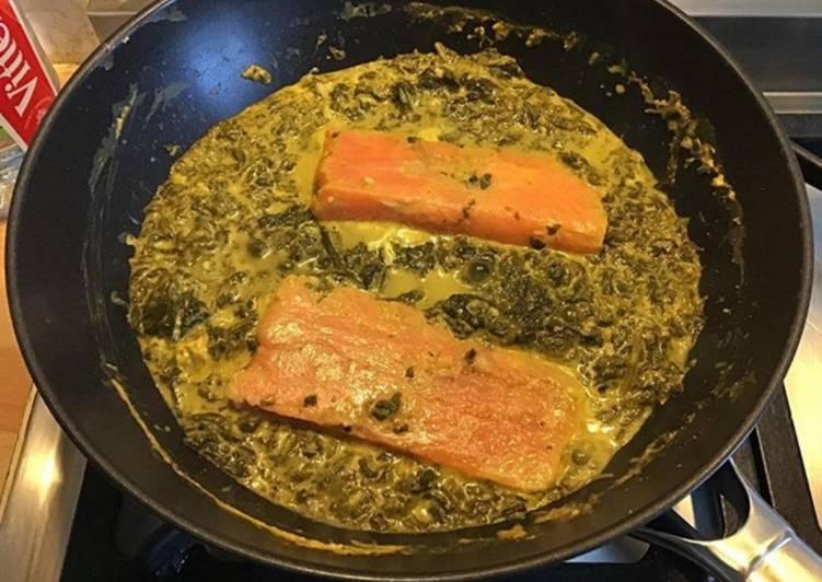Pavés de saumon aux épinards et crème de safran