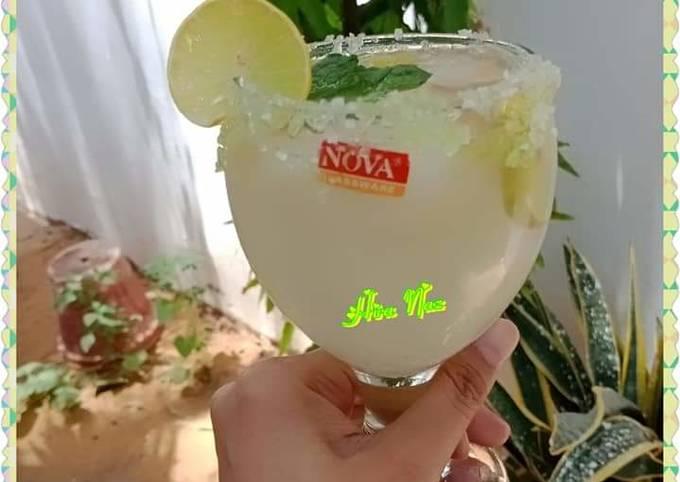 Sprinkling Lemonade