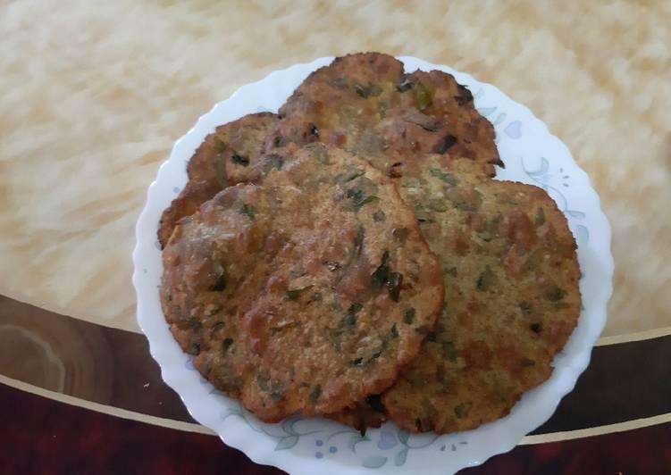 Mixed Flour Methi Poori