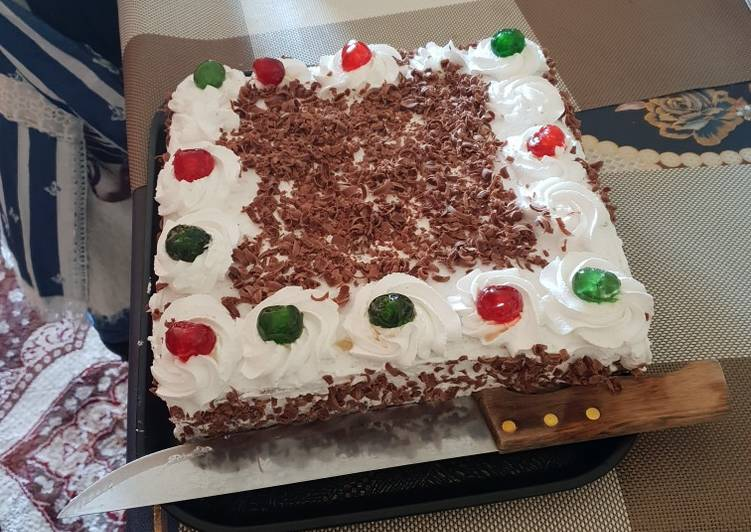 15 Minute Steps to Make Ultimate Black forest cake