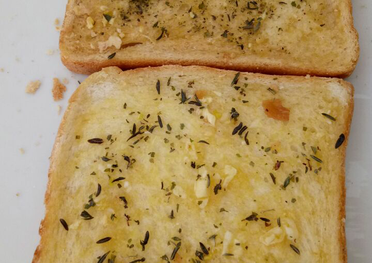 Easy Healthy Recipe: Tasty Garlic Bread *Vegan