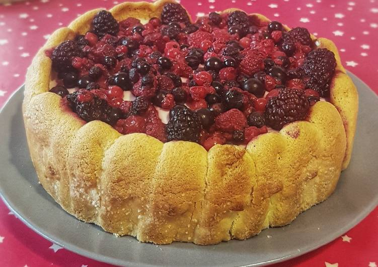 Comment Cuisiner Charlotte aux fruits rouges