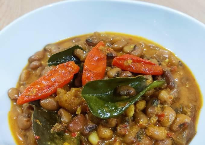 sayur krecek dan kacang tolo - resepenakbgt.com