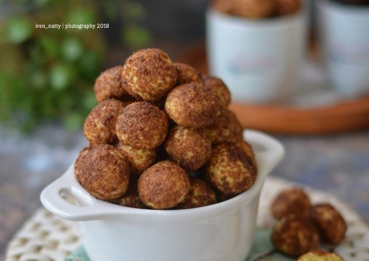 Palm Cheese Ball Cookies