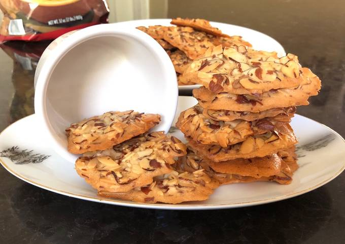 Crunchy Almond Cookies (With Egg Whites)