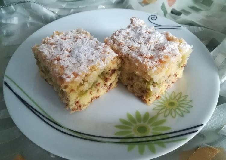 Ciasto maślankowe z rabarbarem i kokosową kruszonką