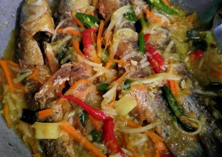Ikan masak acar kuning - cookandrecipe.com