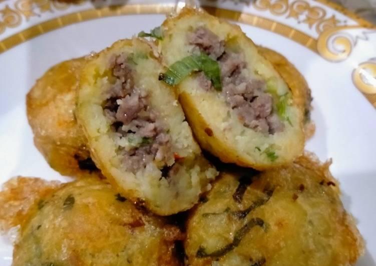 Resep Perkedel kentang isi daging Yang Simple Endes