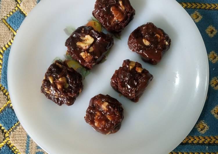 Eggless Chocolate Walnut Brownie