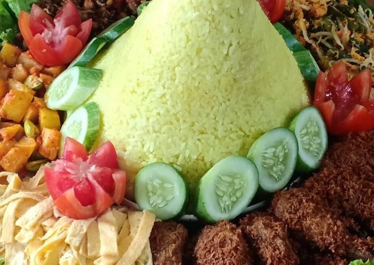 Tumpeng Nasi Kuning - cookandrecipe.com