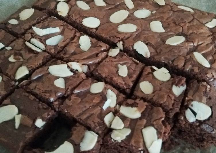 Recipe of Ultimate Shiny and Fudgy Brownies