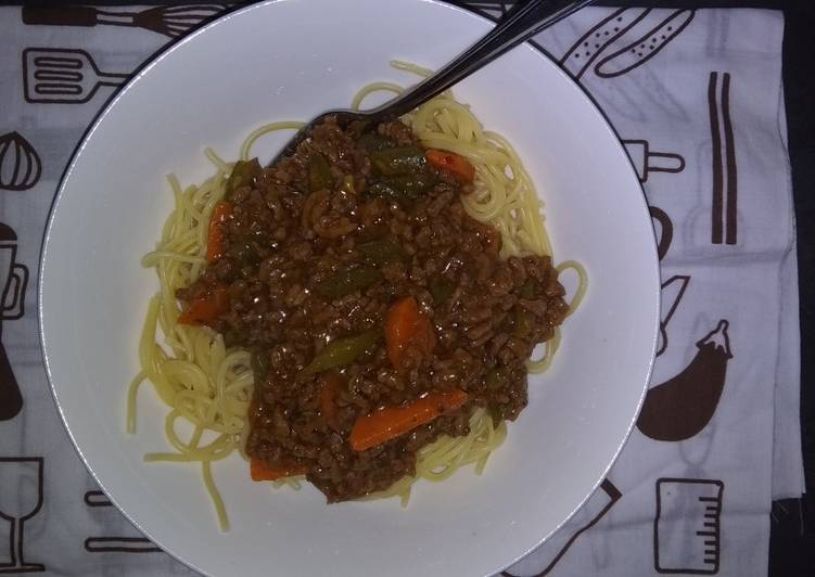 Steps to Prepare Homemade Quick meal Spaghetti and Mince