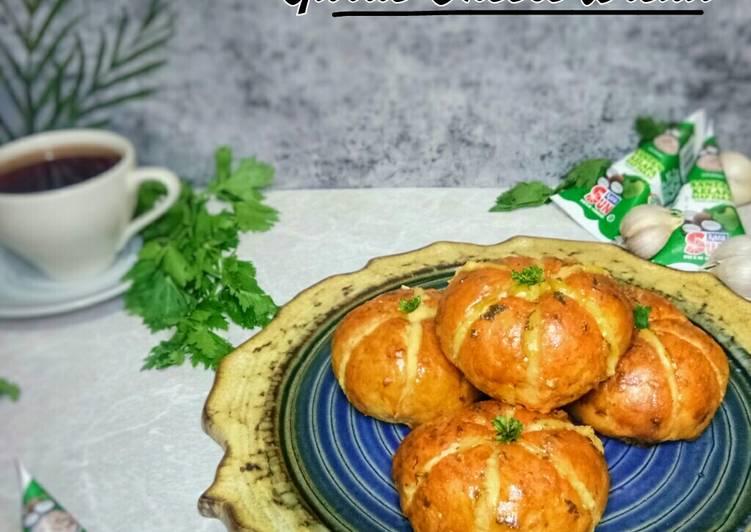 KOREAN GARLIC CHEESE BREAD - (Santan Buns)