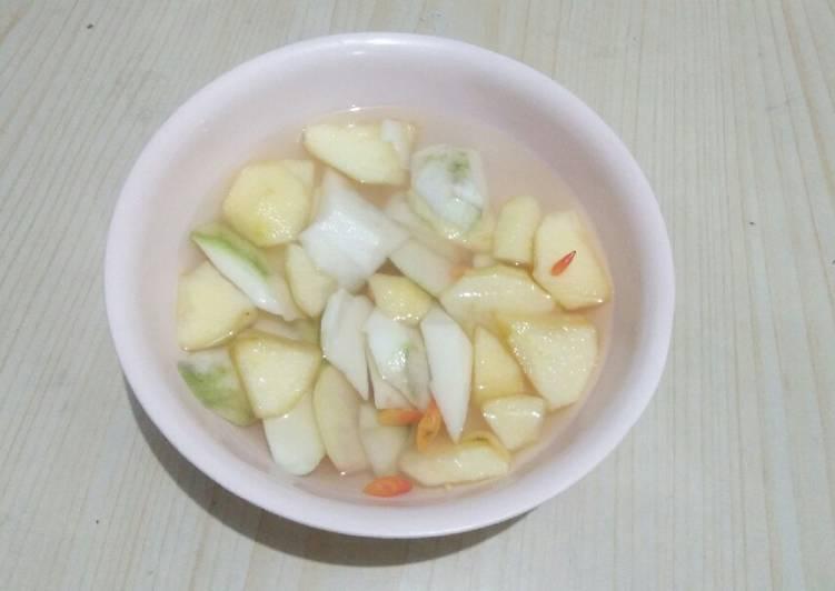 Asinan mangga muda + apel