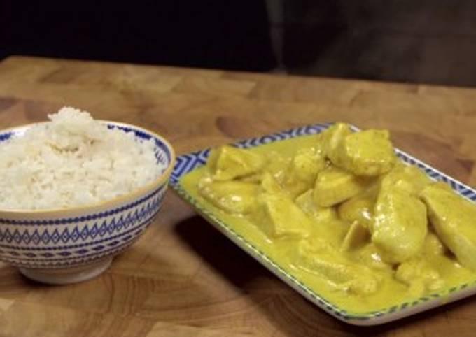 Petto di pollo al curry e riso basmati