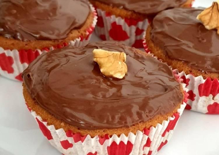 Bananen-Haselnusscreme-Cupcakes