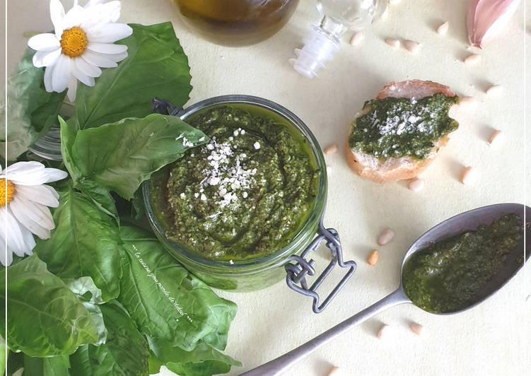 Easiest Way to Prepare Perfect Pesto de basilic fait maison au thermomix