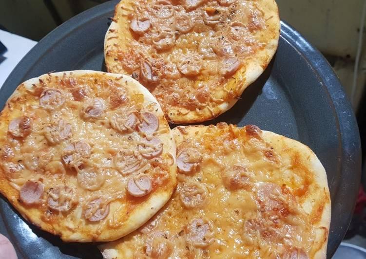 Pizza Classic Thin Crust + pasta tomat homemade