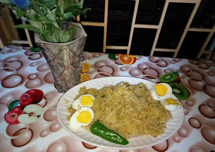 What is Dinner Easy Quick Green masala egg rice