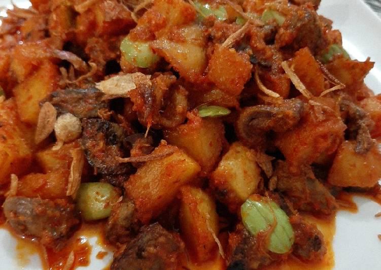 Sambel goreng hati ampela dan kentang