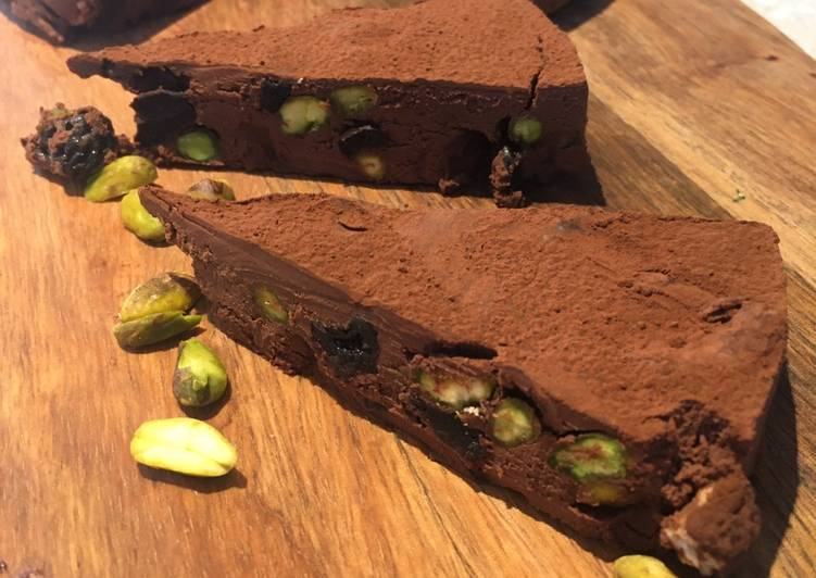 Easiest Way to Make Appetizing Dark Chocolate Torte With Sour Cherries & Pistachios 🍒🍫 (Vegan)