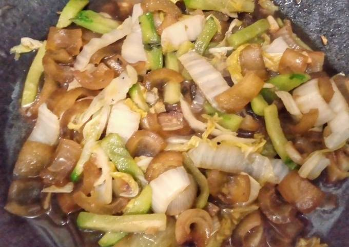 Nappa Cabbage Beef Gravels and Chayote Stir Fry