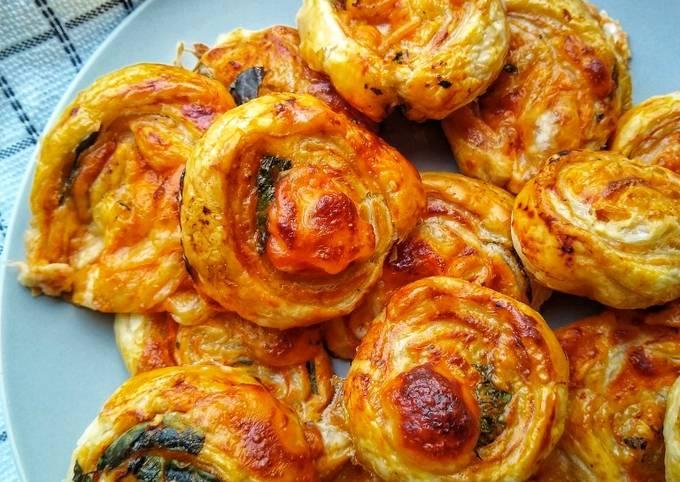Mozzarella, Tomato & Basil Puff Pinwheels