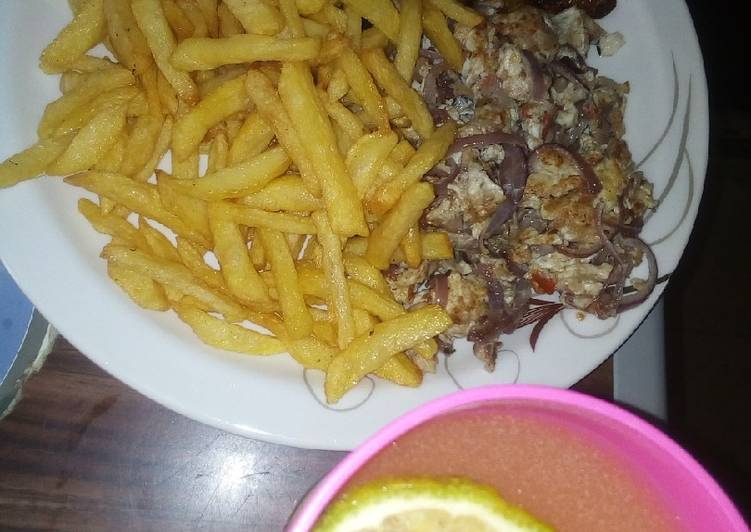Chips/scramble egg, plantain