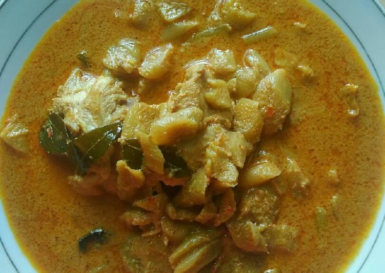 Ayam Talas Kuah Kari