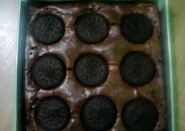 Shiny Crust Oreo Brownis (Oven Tangkring)