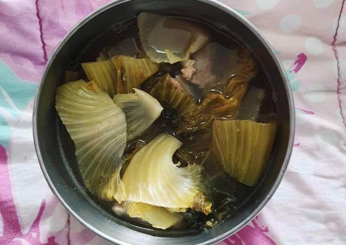 ต้มผักกาดดองกระดูกอ่อนหมู