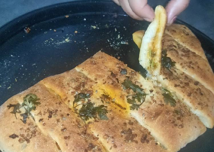 Buttery cheesee garlic bread