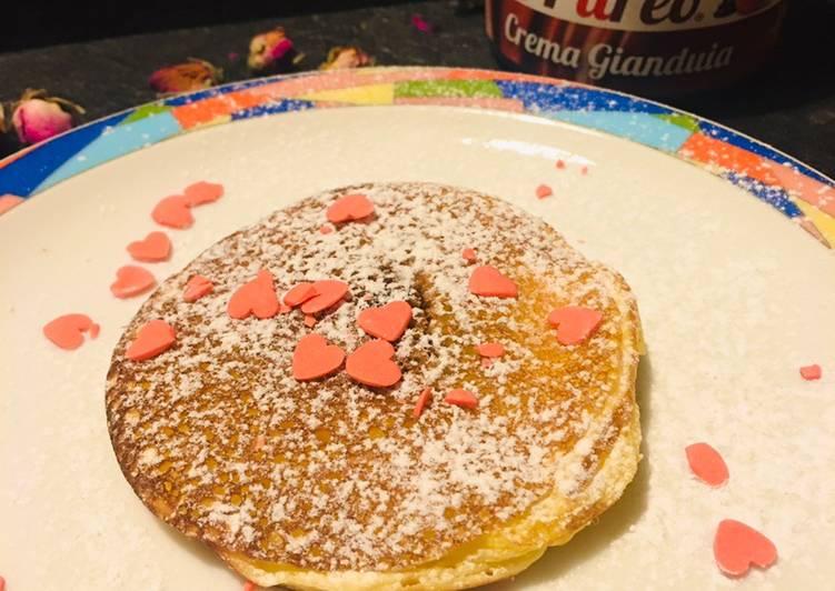 Pancakes farciti alla crema di frutta e gianduia