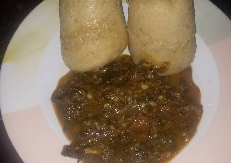 Alkubus with vegetable soup