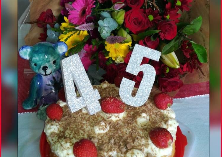 Steps to Make Super Quick Homemade Fresh Cream and Strawberry Sponge cake
