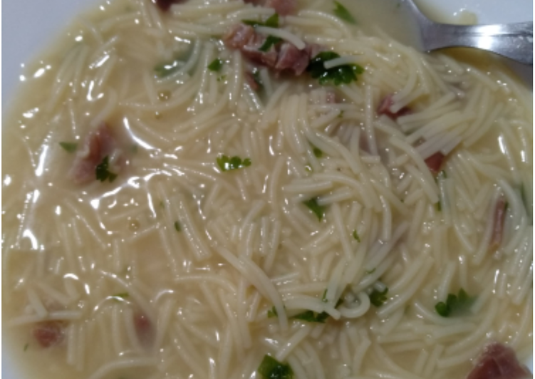 Sopa de jamón serrano