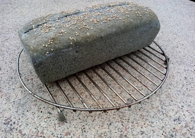 Pain au charbon végétal