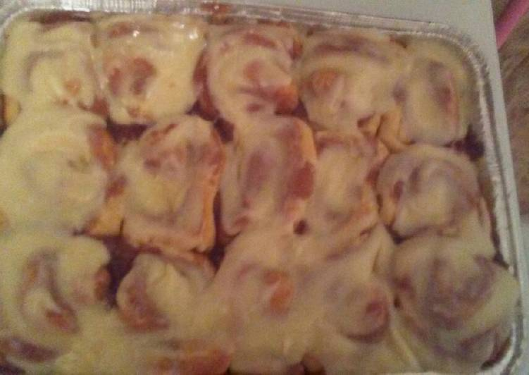 Raven's Cinnamon Rolls with Cream Cheese Icing
