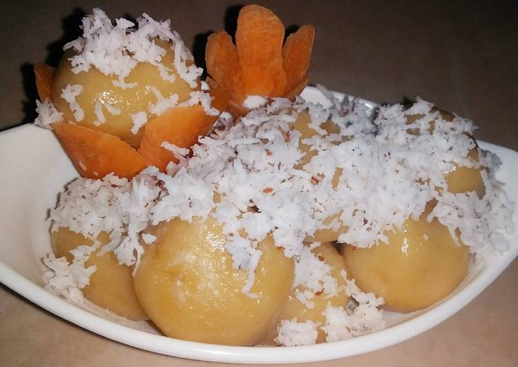 kue klepon wortel isi gula jawa tradisional food foto resep utama CaraBiasa.com