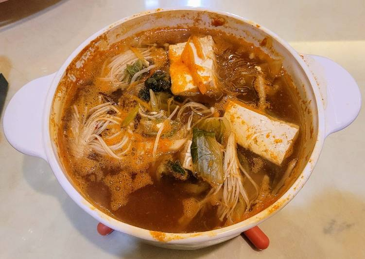 Kimchi Soup with Glass Noodle