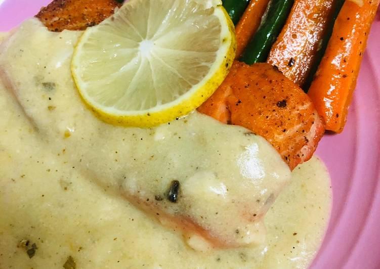 Pan Seared Salmon with Honey Butter Lemon Sauce