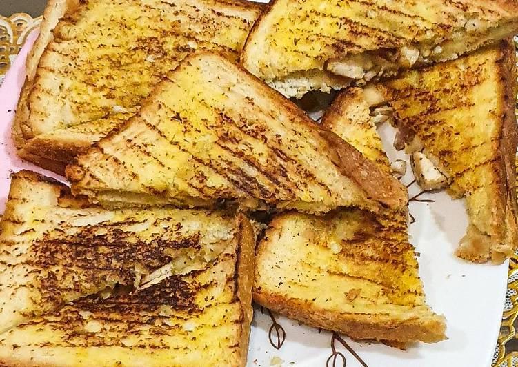 Chicken-mayo sandwich