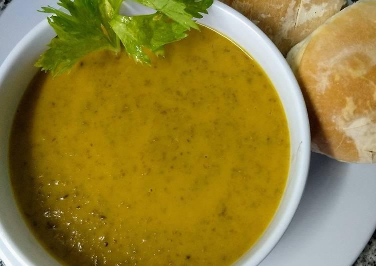 Sopa crema de lentejas y zanahorias