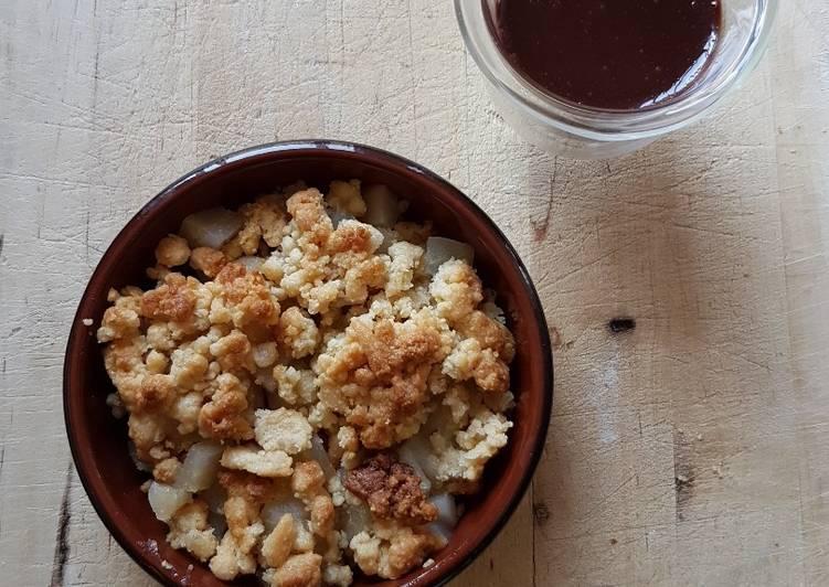 recette Crumble de poire à la cardamome, sauce chocolat Le plus simple