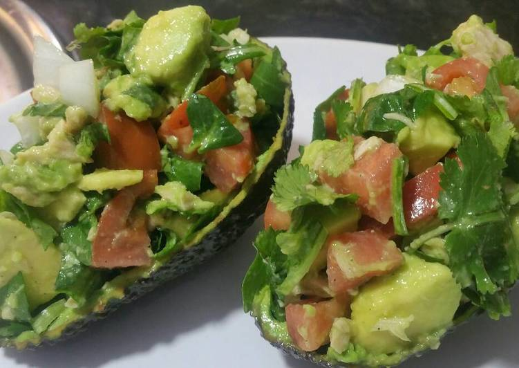 How to Prepare Any-night-of-the-week Avocado salad in an avocado!